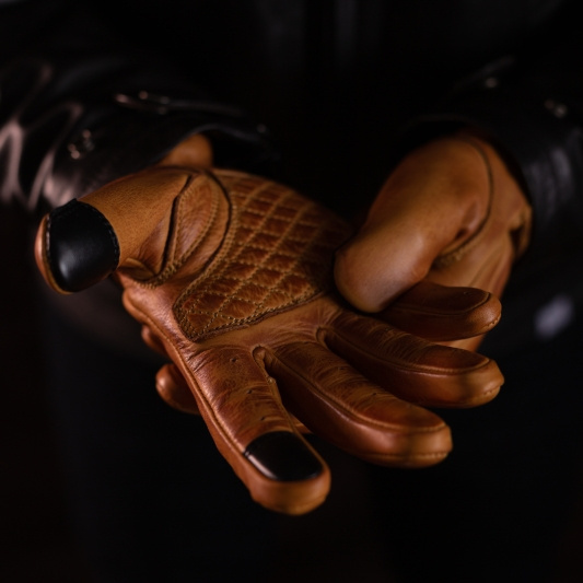 PREORDER 79 Point Dune Wax Gloves